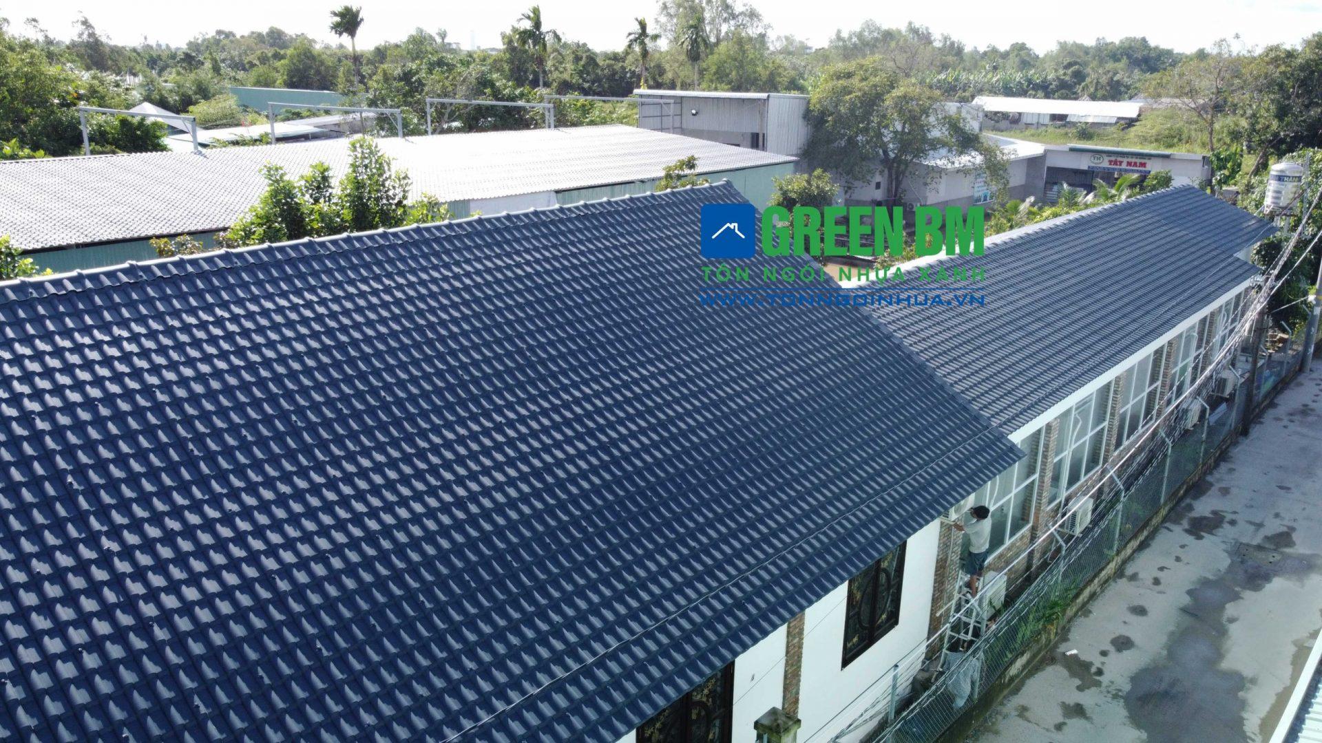 mái tôn chống nóng sân thượng